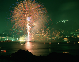 海峡花火大会の写真素材 [FYI04023740]