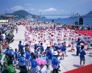 先帝祭 八丁浜総踊りの写真素材 [FYI04023774]