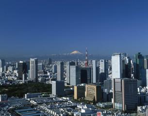 汐サイトのビル群と富士山の写真素材 [FYI04026030]