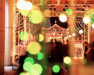 タカシマヤ・タイムズスクエアのクリスマスイルミネーションの写真素材 [FYI04026034]