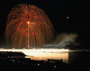 長岡まつり大花火大会ナイアガラと三尺玉の写真素材 [FYI04026081]