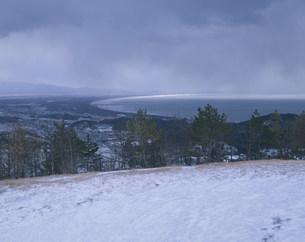 男鹿半島寒風山から日本海を望むの写真素材 [FYI04026472]
