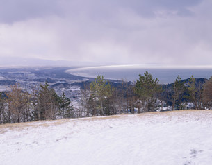 男鹿半島寒風山から日本海を望むの写真素材 [FYI04026473]