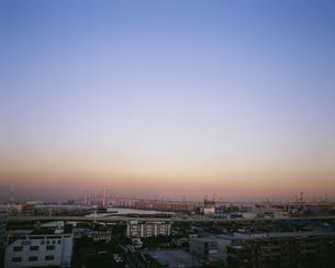 港の見える丘公園から望む横浜港夕景の写真素材 [FYI04026730]