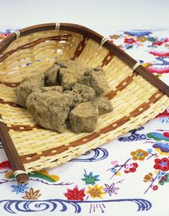 沖縄産黒糖の写真素材 [FYI04026862]