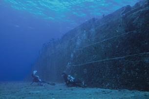 海底遺跡ポイントのメインテラスの写真素材 [FYI04027241]