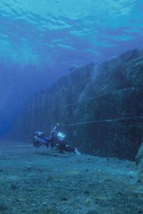 海底遺跡ポイントのメインテラスの写真素材 [FYI04027242]