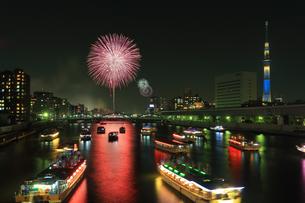 隅田川花火大会の写真素材 [FYI04027549]