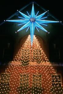 クリスマスネオンの写真素材 [FYI04027999]