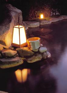 桶と行燈の写真素材 [FYI04028127]