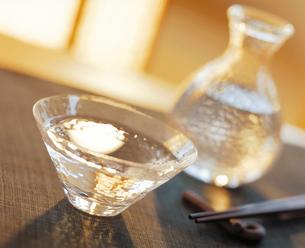 ガラスの酒器の写真素材 [FYI04028308]