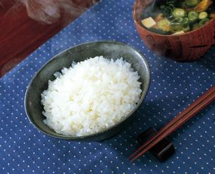 御飯と味噌汁の写真素材 [FYI04028321]