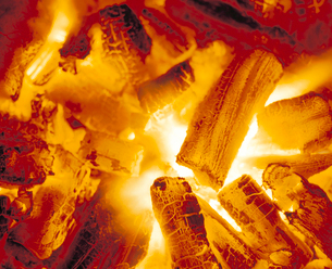 炭火の写真素材 [FYI04028325]