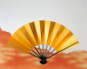 金の扇子の写真素材 [FYI04028409]