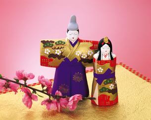 お雛様と桃の花の写真素材 [FYI04028515]