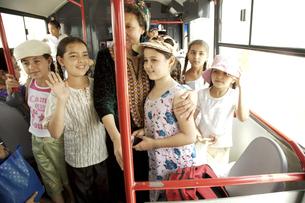 トルクメニスタンの小学生達の写真素材 [FYI04028956]
