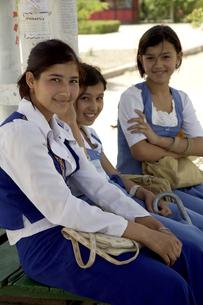 トルクメニスタンの女子高生の写真素材 [FYI04028961]