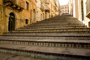 マジョルカ焼きタイルの階段の写真素材 [FYI04029038]