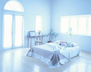 ベッドルームの写真素材 [FYI04029137]