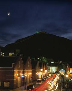函館山と倉庫群夜景の写真素材 [FYI04029420]