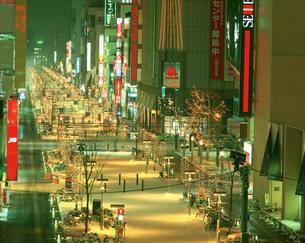 旭川買物公園夜景の写真素材 [FYI04029454]