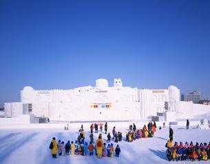 冬まつり大雪像 石狩川河川会場の写真素材 [FYI04029602]