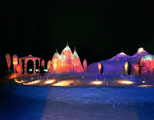 冬まつり大雪像 石狩川河川会場の写真素材 [FYI04029606]