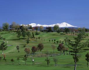 大雪山とパークゴルフ場の写真素材 [FYI04029683]