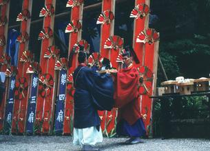 熊野那智大社・火祭り・御滝本大前の儀の写真素材 [FYI04032359]