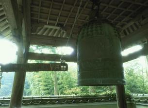 亡者が突くという阿弥陀寺の鐘の写真素材 [FYI04032371]