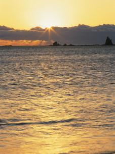 那智の浜の夜明けの写真素材 [FYI04032570]