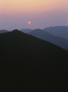 日の出の写真素材 [FYI04032624]