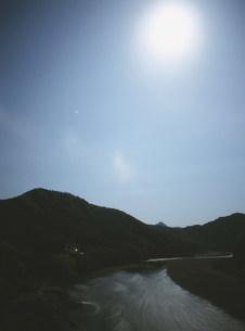 月光の北山川の写真素材 [FYI04032651]