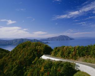 三方五湖レインボーラインの秋の写真素材 [FYI04032995]