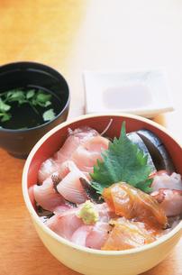 地魚丼の写真素材 [FYI04033125]