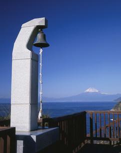 恋人岬の鐘の写真素材 [FYI04033351]