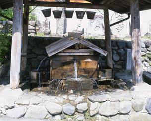 水場 奈良井宿の写真素材 [FYI04033661]