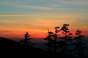 十勝岳からの夕焼けの写真素材 [FYI04033888]
