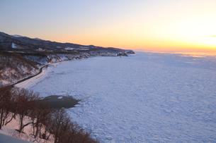 流氷に覆われたオホーツク海の写真素材 [FYI04034550]