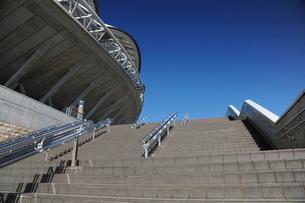東北電力ビッグスワンスタジアムの階段の写真素材 [FYI04035550]