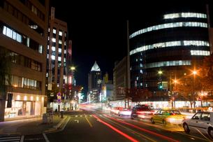 新潟市内繁華街の夜の写真素材 [FYI04035634]