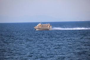 越佐海峡を走るジェットフォイルの写真素材 [FYI04036135]