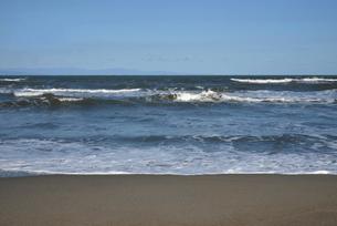 秋の日本海の小針浜の写真素材 [FYI04036200]