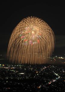 長岡まつりの花火大会の写真素材 [FYI04036402]