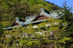 箱根の老舗旅館 木造建築の旅館の写真素材 [FYI04036523]