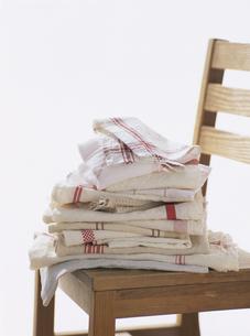 リネンと麻のキッチンクロスの洗濯物の写真素材 [FYI04037079]