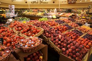 スーパーマーケットイメージの写真素材 [FYI04037120]