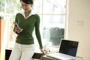 30代女性ビジネスイメージの写真素材 [FYI04037464]