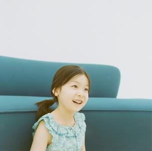 日本人の女の子の写真素材 [FYI04038056]