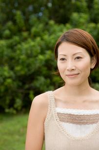 微笑む日本人女性の写真素材 [FYI04038113]